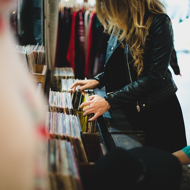 One of my most favorite hobbies, old school record shopping. ? || ?: @franciscosoon