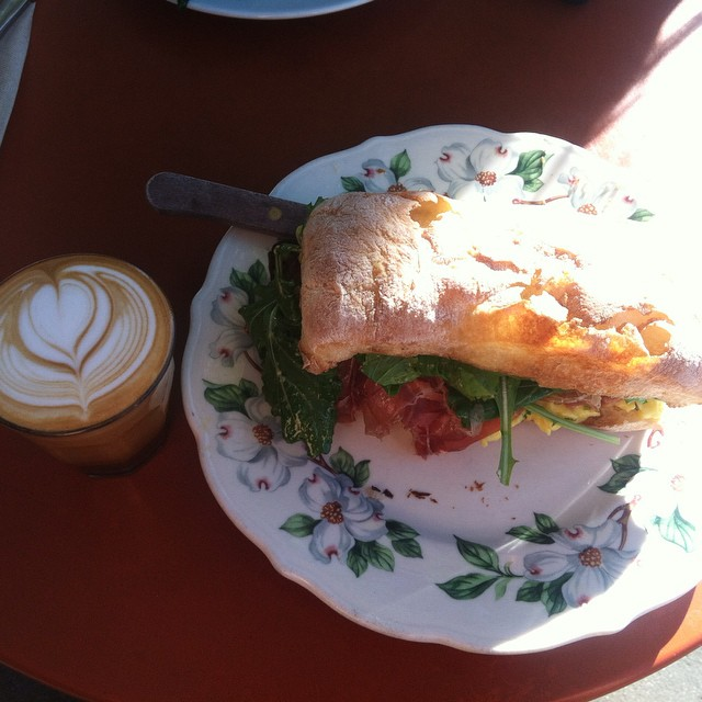 Is it just me or does El AYEE have some of the best cafés with the yummiest food? This egg, and spinach ciabatta sandwich from @sqirlla was Da Bomb. And let's not forget that little cappuccino in the corner. Adventuring coffee shops brings me happiness, is anyone else with me on that? ? Thanks @esther.lane for showing me this little spot. ??☕️❤️